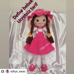 Barbie, Crochet Hats, Christmas Ornaments, Holiday Decor, Instagram, Amigurumi Doll, Beret, Crochet Dolls, Crafts