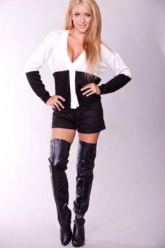 BLACK PATENT LEATHER THIGH HIGH POINT TOE BOOTS