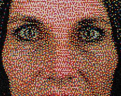 Eric Daigh: pushpin portraits.  I think that I should become crazy to make it...