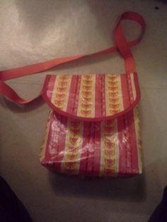 Kettulaukku / Handbag from candywrappers
