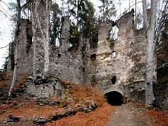 "Tag A Friend youd explore this one with! Abandoned castle ruins in Carinthia Austria. Ruin Eichelberg in the locality of Umberg municipality Wernberg district Villach Land Carinthia Austria ""Umberg Ruine Aichelberg innen"" Photograph by Johann Jaritz via Wikimedia Commons - http://ift.tt/1dqkdHF #abandonedearth by abandonedearth"