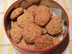 Fabulosa receta para Galletas de avena y naranja con aceite de oliva. Deliciosas galletas de Isasaweis, con avena, naranja y aceite de oliva. Probarlas son una delicia al paladar  Esta receta esta sacada del libro de Isasaweis. Desde aquí quiero darte las gracias por compartir estas recetas tan estupendas. Snacks Saludables, Mashed Potatoes, Healthy Snacks, Muffin, Cookies, Ethnic Recipes, Desserts, Food, Crack Crackers
