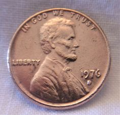 Error 1976 D Lincoln Memorial Penny Double Die Filled D Coin 1 Cent Bicentennial Old Pennies Worth Money, Valuable Pennies, Rare Pennies, Rare Coins Worth Money, Valuable Coins, Silver Coins Worth, Gold Coins, Penny Values, Old Coins Value