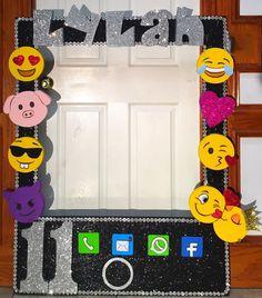 Emoji themed frame