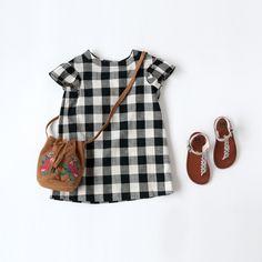 Toddler Girl Dresses, Little Girl Dresses, Baby Girl Fashion, Kids Fashion, Style Baby, Baby Dress Patterns, Kids Suits, Girls Wardrobe, Baby Shirts