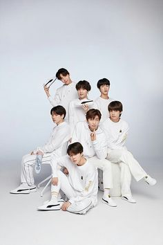 Image discovered by IN WORLD K-POP. Find images and videos about kpop, bts and jungkook on We Heart It - the app to get lost in what you love. Foto Bts, Bts Photo, K Pop, Namjoon, Seokjin, Bts Taehyung, Pop Bands, Rap Monster, Jung Hoseok