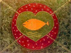 Cópia em papel opaline A4, 180g, dobrado ao meio, formato cartão. Na capa imagem, no verso, o seguinte texto sobre a imagem  Oxum (mandala) Dez 2004 Cecília Panipucci  O Orixá Oxum é a força da natureza manifesta nas águas doces dos rios, cachoeiras, nascentes, lagoas...  Oxum, é o Orixá da riqueza, do amor , da maternidade, de toda prosperidade. Oxum é a renovação a cada instante. Seu poder é tão grande que pode engolir o mal.  Nesta mandala de abre-caminho Oxum está representada pelo…