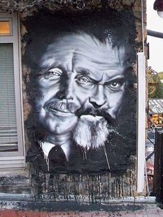 Double portrait, HG Wells et Orson Wells - by Urban Street Art, 3d Street Art, Street Artists, Urban Art, Murals Street Art, Street Art Graffiti, Amazing Street Art, Amazing Art, Awesome