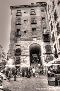 Arco de Cuchilleros y Cuevas de Luis Candelas por Realzamostusfotos