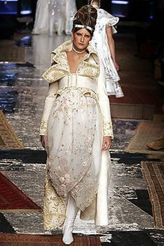 Christian Dior Spring 2005 Couture Fashion Show - Eugenia Volodina (NATHALIE)