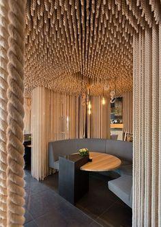 ODESSA restaurant . Ucrânia #ropes #restaurant #interiors