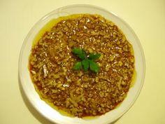 Ingrédients: - 2 cuillères à soupe de piments doux en poudre - 1/2 cuillerée à café de piment fort (ou plus, à doser selon le goût) - 1 cuillère à soupe de cumin - 5 cuillères à soupe d'huile d'arachide, 4 cuillères à soupe d'huile d'olive - 2 CS de mélasse...