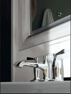 Elegante grifería que da un toque especial a tu baño. #arquitectura #diseño #interiorismo