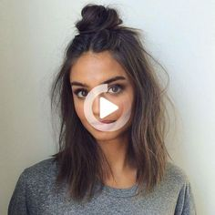 Messy Buns That'll Still Have You Looking #weddinghairstyles Heatless Hairstyles, Greasy Hair Hairstyles, Messy Bun Hairstyles, Cool Hairstyles, Brunette Hairstyles, Gorgeous Hairstyles, Layered Hairstyles, Hairstyle Ideas, Medium Hair Styles