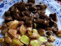 Vyzkoušejte tento recept, protože je nejen jiný než klasicky smažená játra, ale i mnohem lepší! Sprouts, Entrees, Food And Drink, Menu, Potatoes, Vegetables, Cooking, Fitness, Menu Board Design