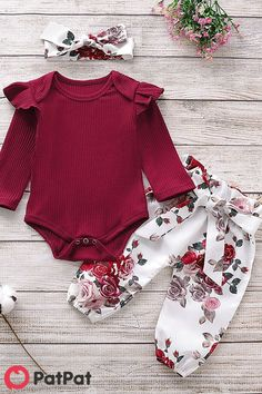 Baby Girl Solid Flutter-sleeve Bodysuit and Floral Bow Pants with Headband Set # Cute Baby Clothes Baby Bodysuit Bow Floral Fluttersleeve Girl Headband pants set Solid Baby Outfits, Baby Girl Dresses, Baby Dress, Cute Outfits, Baby Girls, Kids Outfits Girls, Kids Girls, Baby Girl Fashion, Kids Fashion