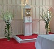 Simply Stunning white wedding flowers