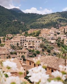 A beautiful day in Deià Oh The Places You'll Go, Places To Travel, Places To Visit, Deia Mallorca, Rivers And Roads, Gal Meets Glam, Free Travel, Culture Travel, Spain Travel