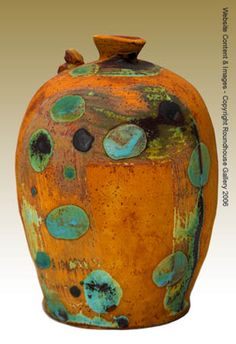 So very wonderful, this vessel from Roundhouse Gallery, UK. Artist/potter unknown. via Venice Clay Artists