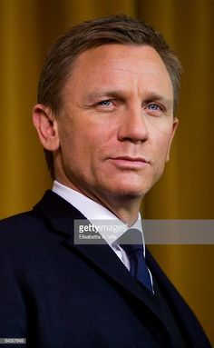 Actor Daniel Craig attends 'Defiance' photocall at St Regis Grand Hotel on January 19 2009 in Rome Italy Rachel Weisz, Daniel Craig Young, Daniel Graig, Daniel Craig James Bond, Best Bond, Actor James, Young Actors, Celebrity Portraits, N Girls