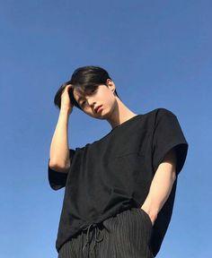 Image may contain: one or more people, people standing, sky and outdoor Korean Boys Hot, Korean Boys Ulzzang, Ulzzang Boy, Korean Men, Cute Asian Guys, Asian Boys, Asian Men, Cute Guys, Beautiful Boys