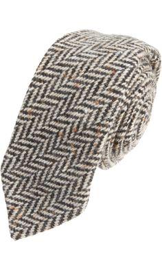 Gitman Vintage Herringbone Tie - I love a man in a herringbone tweed! Sharp Dressed Man, Well Dressed Men, Tartan Men, Tweed Run, Mens Gear, Fine Men, Gentleman Style, Men Looks, Wedding Suits