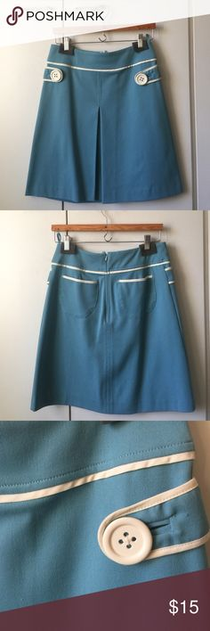 ☄️H&M Skirt - Marc Jacobs inspired ☄️ Cute retro looking skirt. Marc Jacobs inspired. Back zipper. Unlined. Poly/rayon/spandex. There is a slight stain behind the front fold of the skirt (see pic 4) which is not noticeable. H&M Skirts Midi