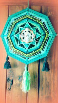 Teen Decor, Gods Eye, Love Crochet, Interior Design Living Room, Dream Catcher, Diy Crafts, Crafty, Wall Art, Handmade