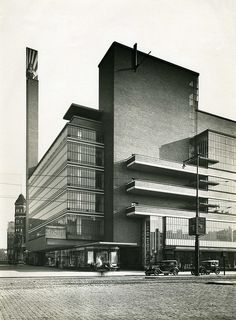 Department store 'de Bijenkorf' in Rotterdam 1930 designed by Dudok, largely destroyed in remains demolished in 1960 Classic Architecture, Architecture Office, Futuristic Architecture, Architecture Details, Unique Buildings, Beautiful Buildings, Art Deco, Famous Architects, Built Environment