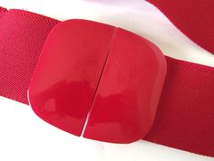 Vintage 1980's Red Wide Stretch Belt with Plastic Buckle, Modern Size 14 - 16, Large