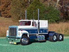 International Transtar 4300 Eagle Plastic Model Truck Kit Scale by AMT Mack Trucks, Semi Trucks, Plastic Model Kits, Plastic Models, Model Kits For Adults, Model Truck Kits, International Harvester Truck, Freightliner Trucks, Rc Model