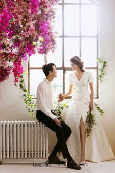 As you may appreciate, wedding photos are very important for newly married couples. Elegant and All Natural 37 Korean Wedding Photos to Make Marriage Plans Next Summer Pre Wedding Photoshoot, Wedding Poses, Wedding Couples, Wedding Bride, Wedding Dresses, Hair Wedding, Married Couples, Rose Wedding, Wedding Makeup