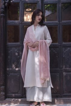 Ideas Dress Boho Pattern Tunics For 2019 Indian Look, Indian Ethnic Wear, Traditional Fashion, Traditional Outfits, Pakistani Outfits, Indian Outfits, Ethnic Fashion, Indian Fashion, Trendy Dresses