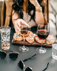 Memphis is home to many great restaurants and it can be hard to choose where to eat. These 15 food places in Memphis are the ones you should focus on. White Wine, Red Wine, Wine Photography, This Is Your Life, Wine Wednesday, In Vino Veritas, Wine Cheese, Food Places, Wine Time