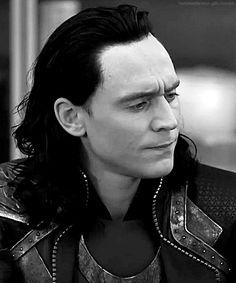 Loki/Tom Hiddleston does not approve of your shenanigans. Tom Hiddleston Loki, Thomas William Hiddleston, Bucky Barnes, Loki Son, Benedict Cumberbatch, Loki God Of Mischief, Loki Laufeyson, Marvel Avengers, Marvel Heroes