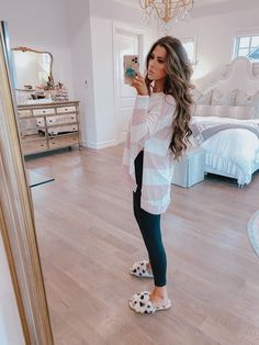 10 Loungewear Outfits To Wear Now. Lazy Day Outfits, Cute Fall Outfits, Winter Fashion Outfits, Mom Outfits, Stylish Outfits, Autumn Winter Fashion, Autumn Outfits, Teacher Outfits, Loungewear Outfits