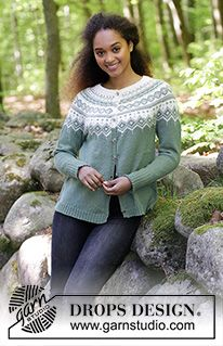Perles du Nord Jacket / DROPS - Free knitting patterns by DROPS Design, Perles du Nord Jacket / DROPS - jacket with round yoke, multicolored Norwegian pattern and A-cut, knitted from top to bottom. Sizes S - XXXL. Fair Isle Knitting Patterns, Christmas Knitting Patterns, Sweater Knitting Patterns, Cardigan Pattern, Jacket Pattern, Knit Patterns, Free Knitting, Drops Design, Punto Fair Isle
