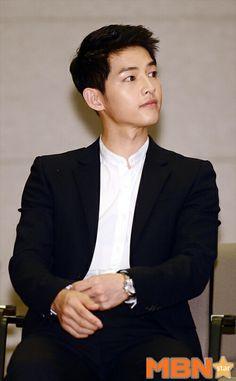 Song Joong Ki shared by Logophile on We Heart It Descendants, Song Joong Ki Photoshoot, Most Handsome Korean Actors, Song Joong Ki Cute, Song Joong Ki Birthday, Short Hair For Boys, Soon Joong Ki, Decendants Of The Sun, Sun Song