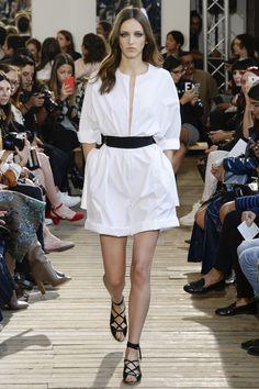 Maison Rabih Kayrouz Parigi - Spring Summer 2016 Ready-To-Wear - Shows - Vogue. Fashion Week Paris, Fashion Show, Fashion Trends, Vogue Paris, Spring Summer 2016, Spring Summer Fashion, Maison Rabih Kayrouz, Chic Dress, Catwalks