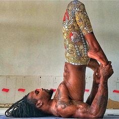 professional football player turned yoga instructor @dade2shelby spied via @afropunk ... ummm. so YEAH.