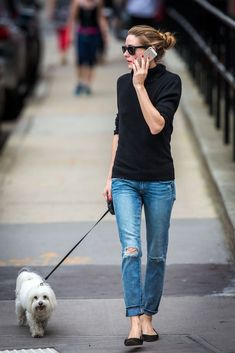 Olivia Palermo...and there it is again, black sweater , jeans, black flats....LOVE