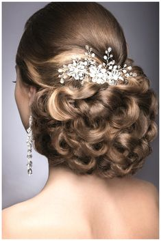 Are You Looking For Pictures Of The Top Wedding Hair-styles Ideas For Your Own Marriage Ceremony? You Might Have Come To The Right Place, Just Click On The Picture And You Are Able To Find Plenty Of Wedding Hair-styles Images.