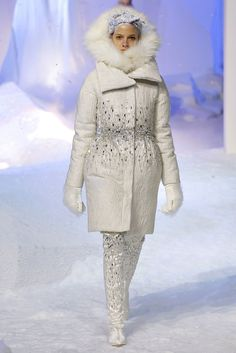 Moncler Gamme Rouge Fall 2013 Ready-to-Wear Collection Photos - Vogue