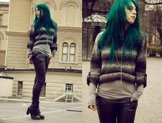 Finally an idea that can make me buy some crop tops, i love knits and the under shirt makes it for me!