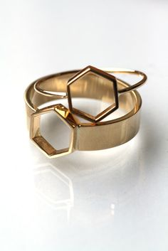 Nick's favorite shape. This would be wonderful in white gold and with stones. by mociun (via uniform natural)