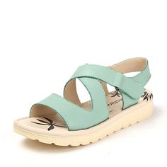 Summer platform women shoe/Student shoes/Open-toed ladies flat sandals *** See this great product.