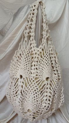 Crochet Bags Designs Crochet Pineapple Bag by aliabklynhandmade on Etsy - Bag Crochet, Crochet Market Bag, Crochet Shell Stitch, Crochet Handbags, Crochet Purses, Bag Patterns To Sew, Sewing Patterns, Crochet Patterns, Sombrero A Crochet