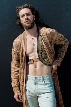 aaron taylor johnson goes shirtless bares butt for 40 photo flaunt spread 04 Aaron Taylor-Johnson flies through the air and sprays paint all over three women on the cover of Flaunt Magazine's Summer Camp issue. The Avengers:… Aaron Taylor Johnson Shirtless, Aaron Johnson Taylor, Tyler Johnson, Chris Pratt, Steve Rogers, Tony Stark, Hot Actors, Actors & Actresses, Marvel