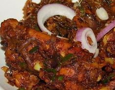 Spicy Kerala Chicken Roast is another nadan recipe and a family favorite. It is a dry version and is great accompaniment with rice, chapat. Veg Recipes, Spicy Recipes, Curry Recipes, Indian Food Recipes, Cooking Recipes, Tandoori Recipes, Cooking 101, Kitchen Recipes, One Pot Dinners