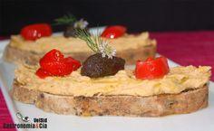 Hummus con Tapenade y Piquillos